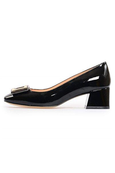 Flower Siyah Rugan Tokalı Kalın Topuklu Ayakkabı