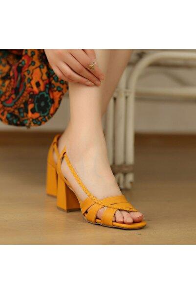 Mammamia Hardal Orta Topuklu Örgülü Sandalet