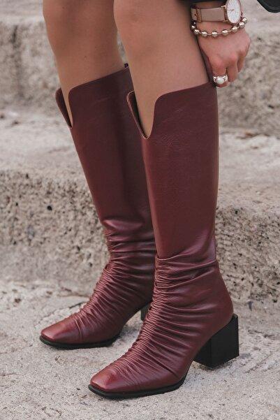 I Love Shoes Elvastro Mat Deri Büzgü Detaylı Kısa Topuklu Çizme Bordo
