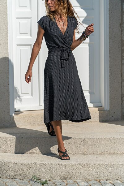 Güneşkızı Kadın Siyah Kruvaze Puantiyeli Kiloş Elbise Gk-ld302