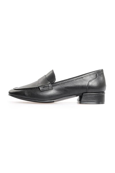 Flower Siyah Deri Köşeli Burun Kadın Günlük Ayakkabı