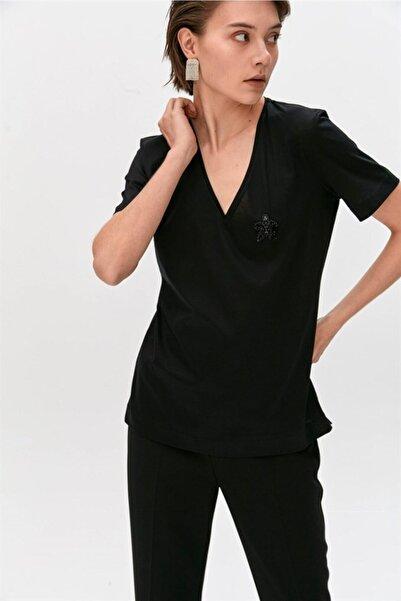 rue. Siyah Taş Detaylı, V Yaka Tshirt