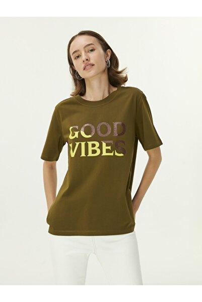 Twist Slogan Baskılı T-shirt