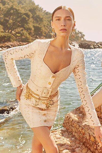 Raisa&Vanessa for Trendyol Bej Kemerli Brode Elbise TDPSS21EL0740