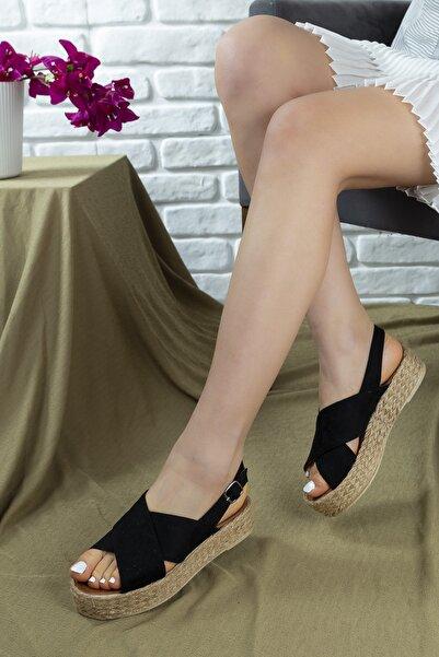 GNY AYAKKABI Kadın Siyah Çapraz Bantlı Sandalet