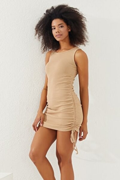 Kadın Taş Yanları Büzgülü Sıfır Kol Elbise