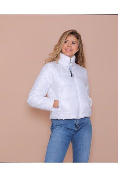 TREND Kadın Beyaz Fermuar Kapamalı Dik Yaka Şişme Crop Mont