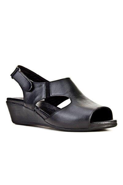 Cabani Cırt Bantlı Dolgu Topuk Günlük Kadın Sandalet Siyah Deri