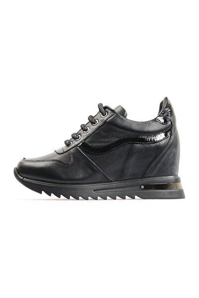 Flower Siyah Dolgu Topuk Spor Ayakkabı