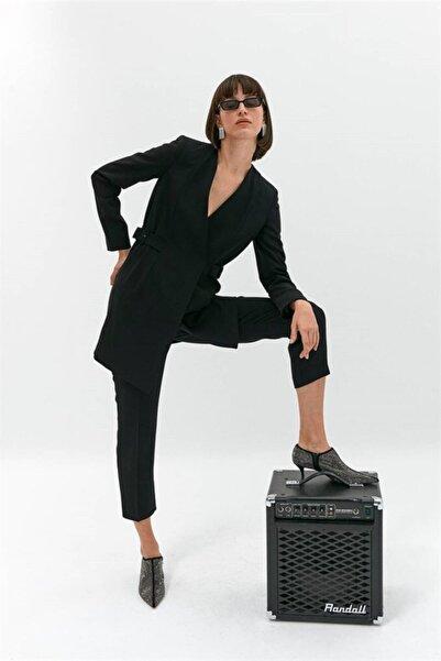 rue. Siyah Simetrik Kuşak Detaylı Ceket