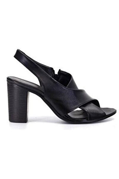 1050 Siyah Deri Trend Sandalet
