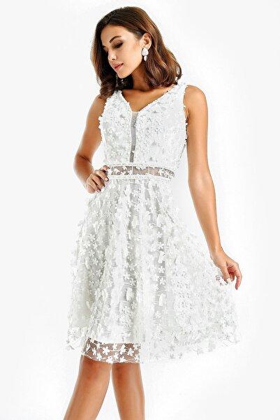 By Saygı Boncuk Detaylı Üç Boyutlu Abiye Elbise Beyaz