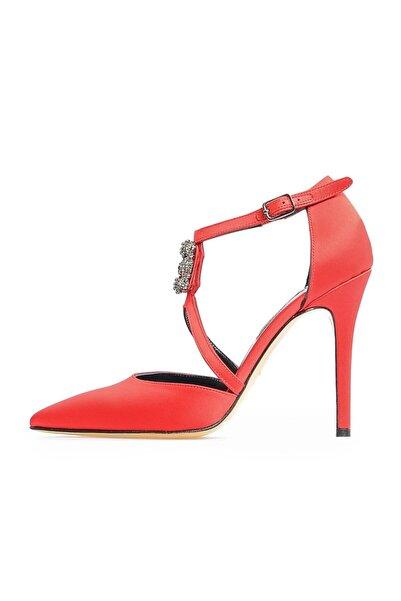 Flower Kırmızı Ortadan Tokalı Abiye Ayakkabı