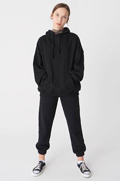 Addax Kadın Siyah Kapüşonlu Sweatshirt S0519 - P10 - V2 ADX-0000014040
