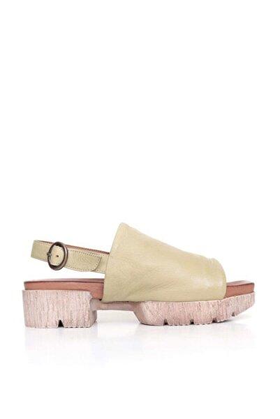 BUENO Shoes Hakiki Deri Kadın Kalın Düz Tabanlı Sandalet 9n8206