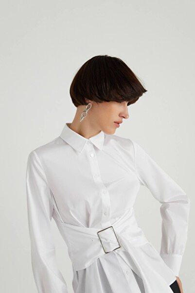 rue. Metal Tokalı Poplin Beyaz Gömlek