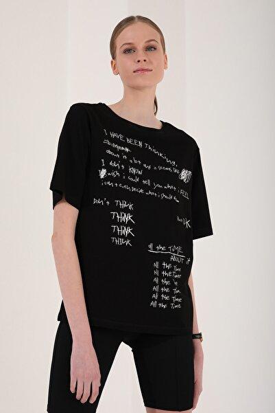 Tommy Life Kadın Siyah El Yazısı Baskılı Oversize O Yaka T-shirt - 97137