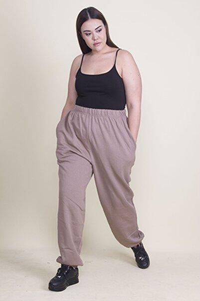 Şans Kadın Vizon İçi Şardonlu Pamuklu Kumaş Paça Ve Beli Lastik Detaylı Cepli Pantolon 65N21986
