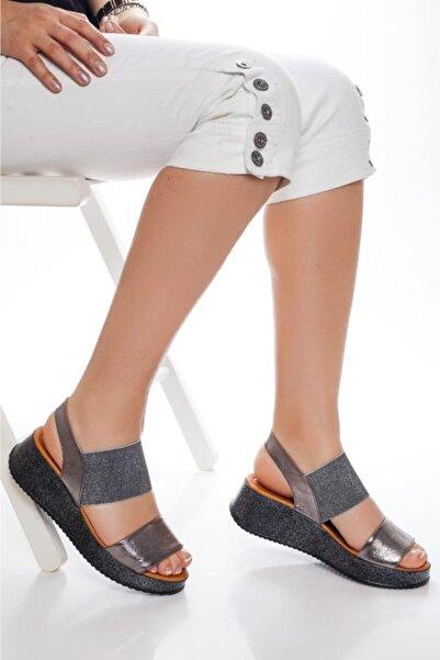 Deripabuc Hakiki Deri Platin Simli Kadın Deri Sandalet Dp08-5016