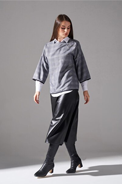 Mizalle Mızalle Metal Aksesuarlı Ekose Bluz (Lacivert)