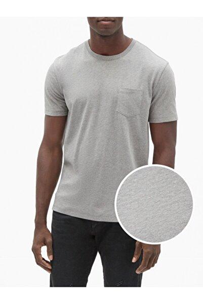 GAP Sıfır Yaka Cepli T-shirt