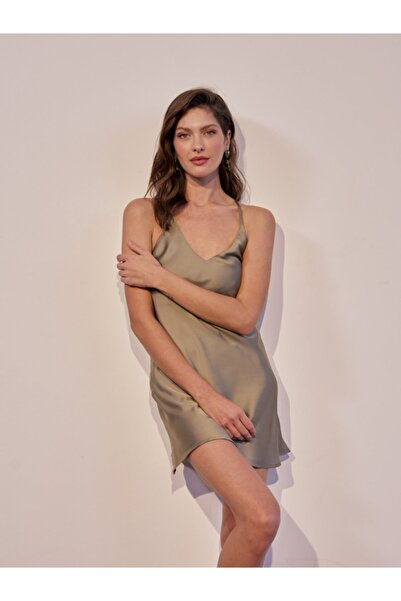 House of Silk Saten Slip Elbise Fıstık Yeşili Rengi