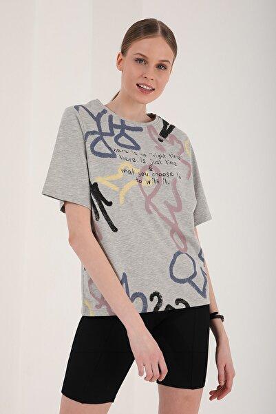 Tommy Life Kadın  Gri Melanj Karışık Desenli Oversize O Yaka T-shirt - 97132