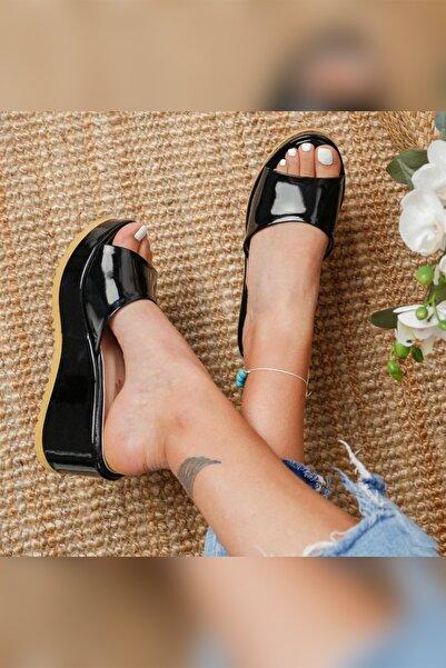 Limoya Kadın Siyah Rugan Dolgu Topuk Terlik