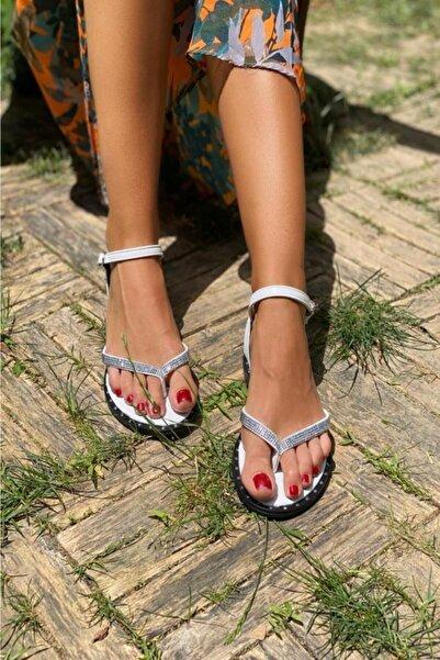 İnan Ayakkabı Bayan Parmak Arası Iki Yana Açılan Ince Bantlı Sandalet