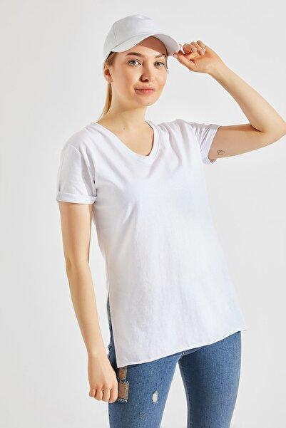 Zafoni Kadın Yırtmaçlı Beyaz Tişört