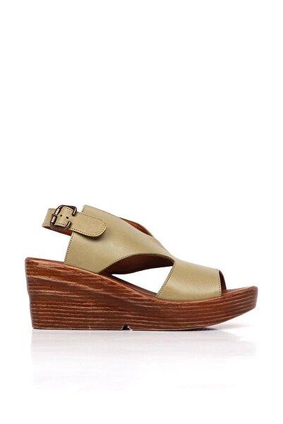 BUENO Shoes Hakiki Deri Kadın Dolgu Topuk Sandalet 20wq6101