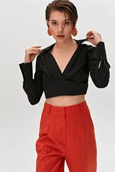 Siyah V Yakalı Crop Gömlek