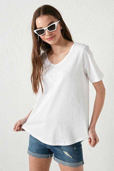 LC Waikiki Kadın Optik Beyaz LCW Casual Tişört