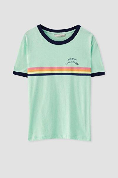 Pull & Bear Kadın Neon Yeşil Gökkuşağı Görselli Fitilli T-Shirt 05236383