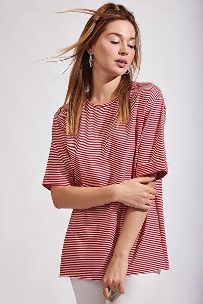 Kadın Kırmızı Çizgili Uzun T-Shirt Gd00015