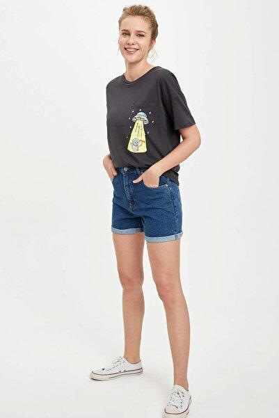 Kadın Antrasit Cepte Baskı Detaylı Kısa Kollu T-Shirt R2629AZ.20SM.AR191