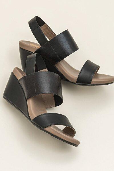 Elle Shoes WINTERS-1 Siyah Sandalet 20YTO1350-102