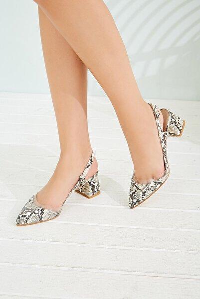 Sateen Kadın Bej-Yılan Şeffaf Detaylı Topuklu Ayakkabı STN876KAY101