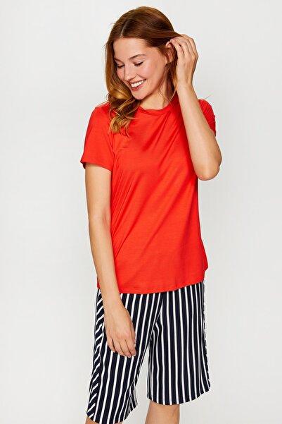Kadın Nar Çiçeği Yuvarlak Yaka Kısa Kol T-Shirt 60028 U60028