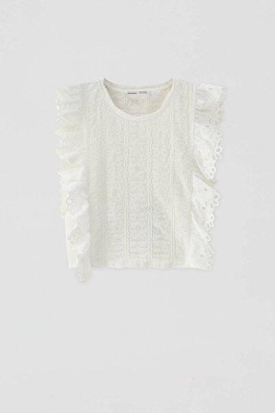 Kadın Buz Rengi Işlemeli Fırfırlı T-Shirt 05236389