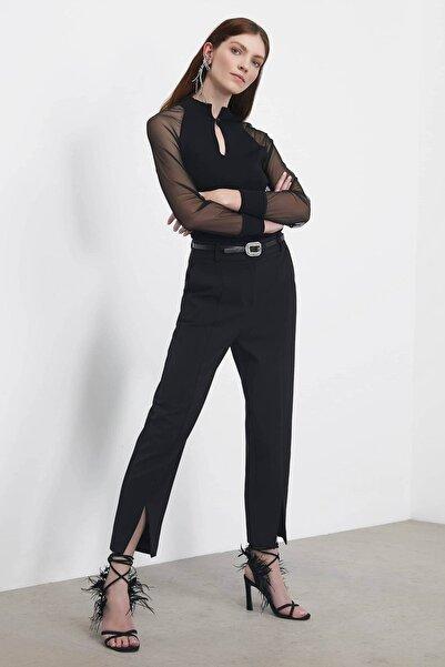 Kadın Siyah Paça Yırtmaçlı Pantolon IS1200003062001
