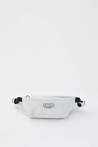 Pull & Bear Erkek Renkli Logolu Beyaz Dolgulu Bel Çantası 05822540