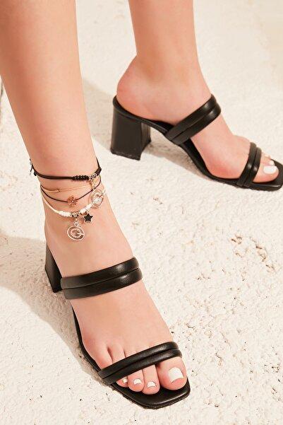 Bambi Siyah  Kadın Klasik Topuklu Ayakkabı L05035604