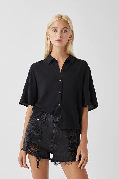 Pull & Bear Kadın Siyah Kolları Dökümlü Basic Gömlek 09470309