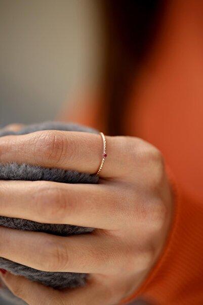 İzla Design Kadın Yakut Taşlı Rose Kaplama Gümüş Minimal Yüzük İZLASLVR00036
