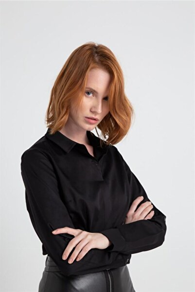 rue. Kadın Siyah Yaka Detaylı Basıc Gömlek