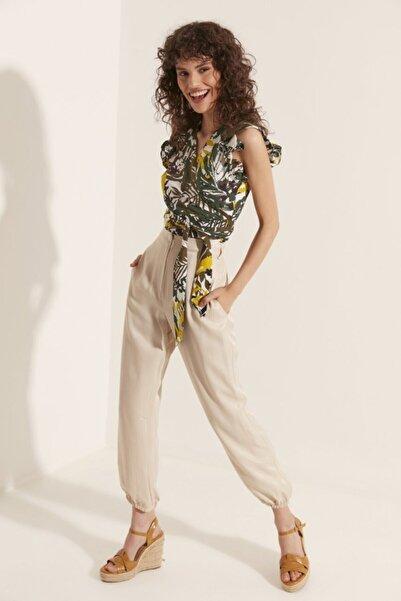Say Kadın Yeşil Tropikal Desenli Belden Bağlamalı Bluz