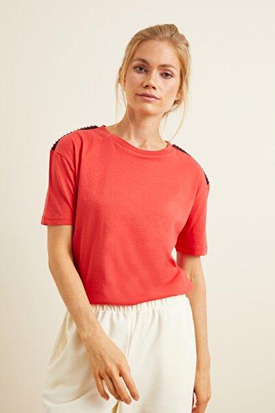 Love My Body Kadın Kırmızı Omuzları Şerit Detaylı Tişört 175L5889001