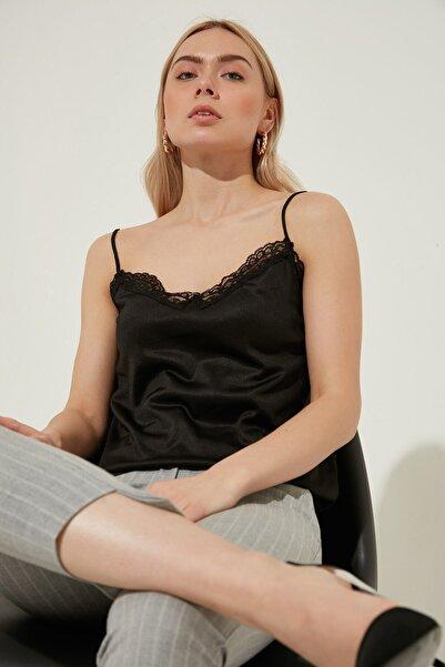 ZİNDİ Kadın Dantel Detaylı Askılı Bluz Siyah