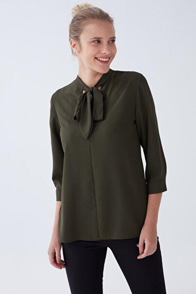 Chima Kadın Yeşil Yakası Bağlamalı Bluz